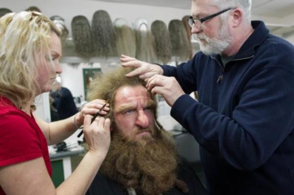 Transformando seres mortais em imortais: o trabalho minucioso de maquiagem de O Hobbit: Uma Jornada Inesperada (foto por nydailynews.com)