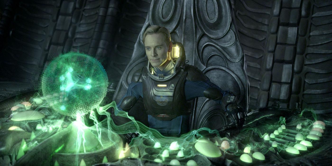 Michael Fassbender em cena de Prometheus, que apenas prometeu... (foto por OutNow.CH)