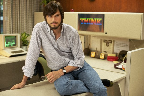jOBS: Ashton Kutcher como o criador da Apple, Steve Jobs?