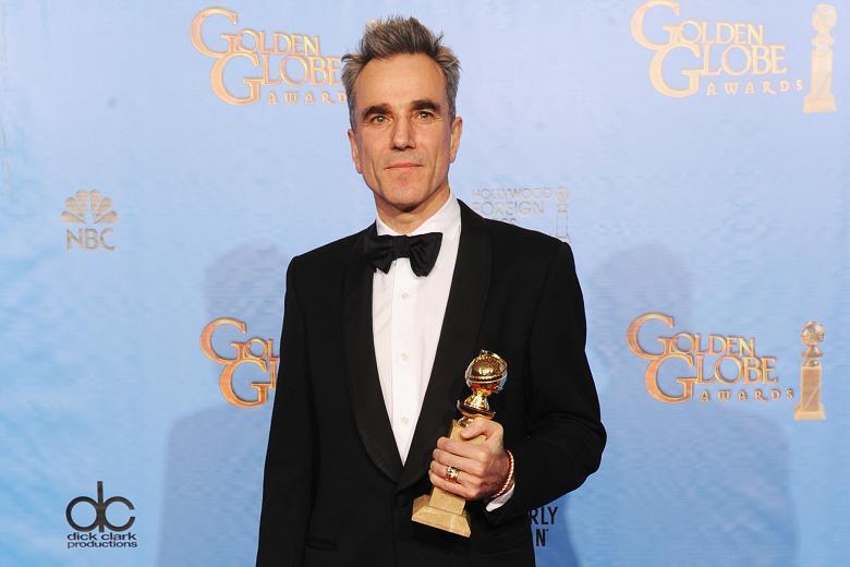 O mais elogiado na cerimônia, Daniel Day-Lewis, leva para casa seu terceiro Globo de Ouro. Vem aí o terceiro Oscar? (photo by thetimes.co.uk)