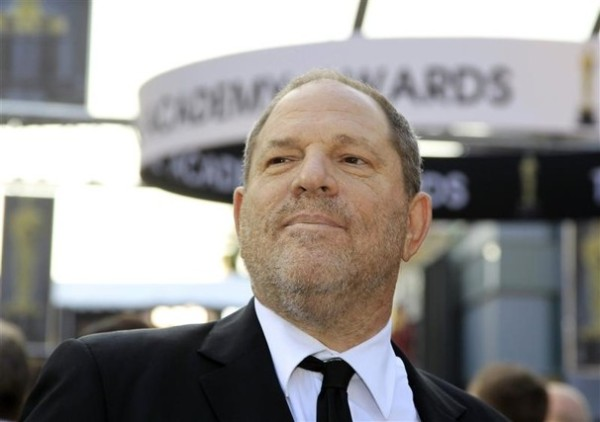 Harvey Weinstein: Deus, segundo Meryl Streep, em frente ao Oscar (photo by washingtonpost.com)