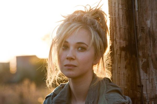 O jovem talento Juno Temple, que participou de Batman: O Cavaleiro das Trevas Ressurge, concorre como uma Rising Star