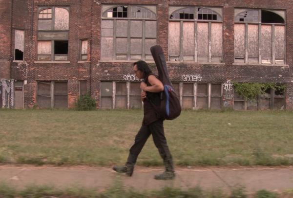Cena do documentário Searching for Sugar Man, que procura respostas do paradeiro de um artista outrora consagrado (foto por OutNow.CH)