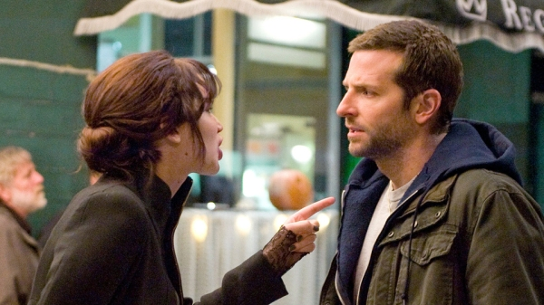 Jennifer Lawrence (22) e Bradley Cooper (37) em cena (photo by mediumutm.ca)
