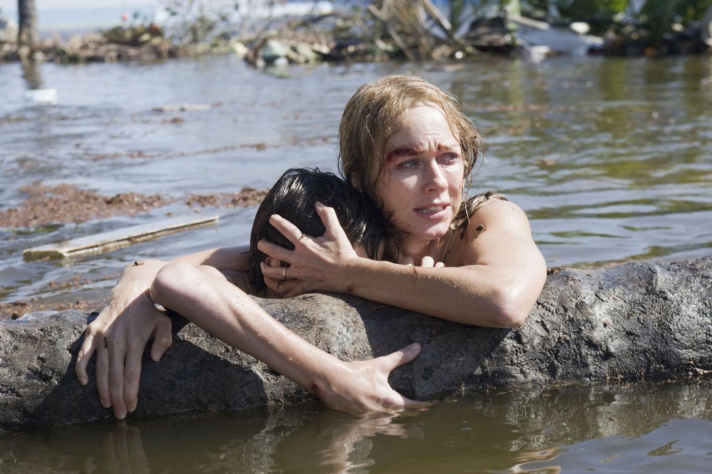 Pela segunda vez, Naomi Watts é indicada ao Oscar por um papel sofrido que deteriora sua aparência em O Impossível (photo by OutNow.CH)