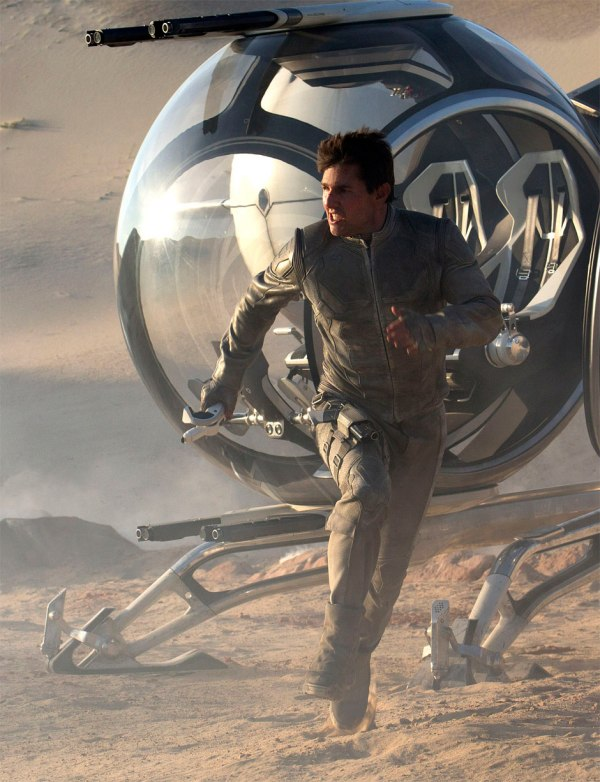 Oblivion: Tom Cruise em nova ficção científica depois de Minority Report (photo by BeyondHollywood.com)