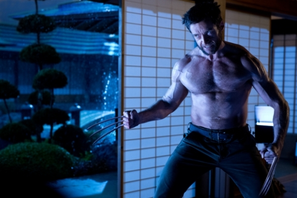 Wolverine na terra do sol nascente em Wolverine - Imortal (photo by OutNow.CH)
