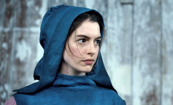 Anne Hathaway em Os Miseráveis (photo by BeyondHollywood.com)