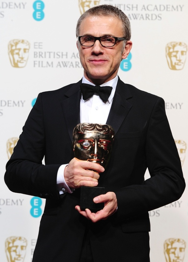 Christoph Waltz leva o BAFTA de Ator Coadjuvante por Django Livre (photo by digitalspy.co.uk)