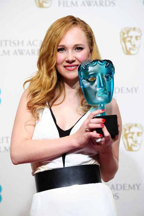 Juno Temple começa bem 2013 com o prêmio EE Rising Star (photo by metro.co.uk)