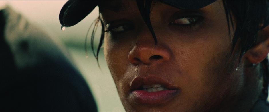 A cantora Rihanna naufragou junto ao filme Battleship - A Batalha dos Mares (photo by BeyondHollywood.com)