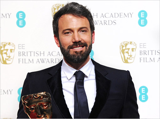 Ben Affleck e seu BAFTA (photo insidemovies.ew.com by Stuart Wilson/ Getty Images)