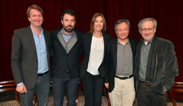 Os indicados a Melhor Diretor no DGA da esquerda para a direita: Tom Hooper, Ben Affleck, Kathryn Bigelow, Ang Lee e Steven Spielberg (photo by metro.co.uk)