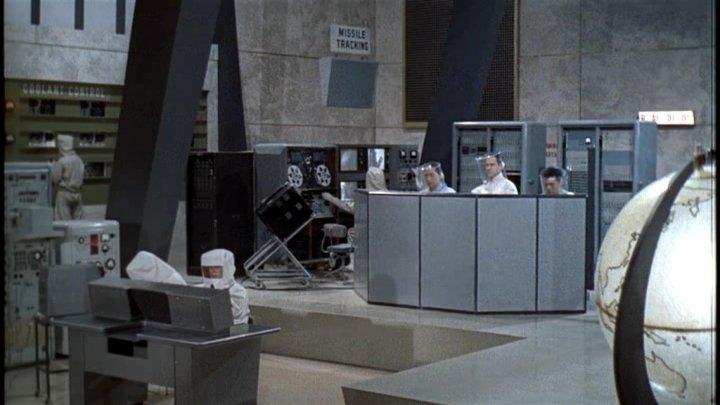 O complexo secreto do primeiro vilão de 007, Dr. No (photo by OutNow.CH)