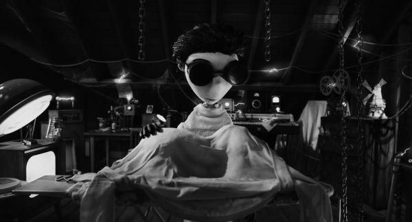 Como a criatura Frankenstein, a animação Frankenweenie é um bom misto de homenagens a filmes clássicos (photo by OutNow.CH)