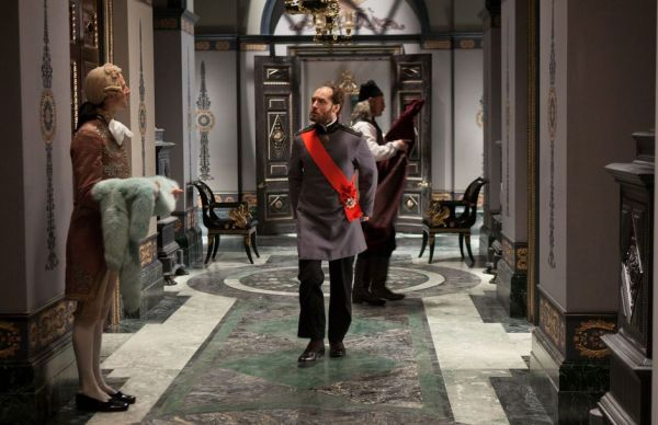 Trabalho detalhado de Sarah Greenwood demonstra a supremacia dos filmes de época atuais (photo by BeyondHollywood.com)