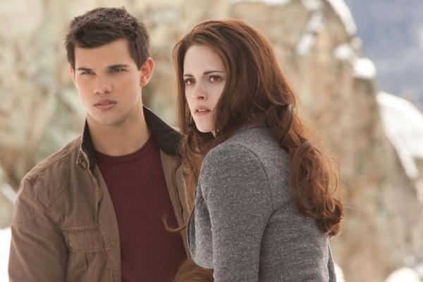 A dupla premiada Taylor Lautner e Kristen Stewart (photo by BeyondHollywood.com)