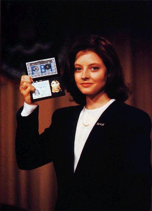 Jodie Foster como a agente Clarice Starling em O Silêncio dos Inocentes (photo by collider.com)