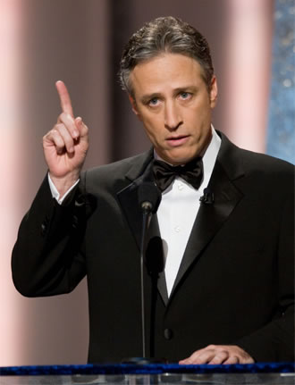 Jon Stewart e suas piadas políticas teriam um público-alvo mais maduro (photo by oscars.org)