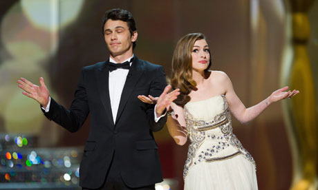 James Franco e Anne Hathaway: Que isso não se repita! (photo by guardian.co.uk)