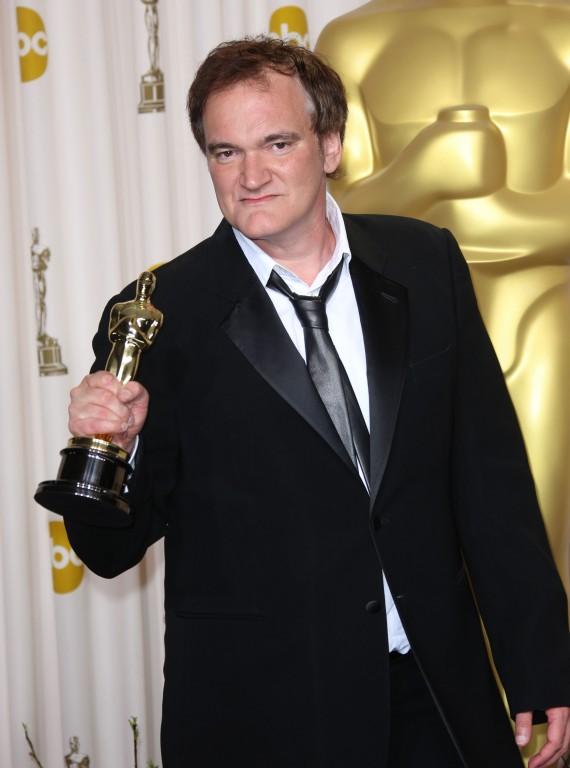 Quentin Tarantino com seu segundo Oscar. O primeiro foi em 1995 por Pulp Fiction - Tempo de Violência (photo by womanandhome.com)
