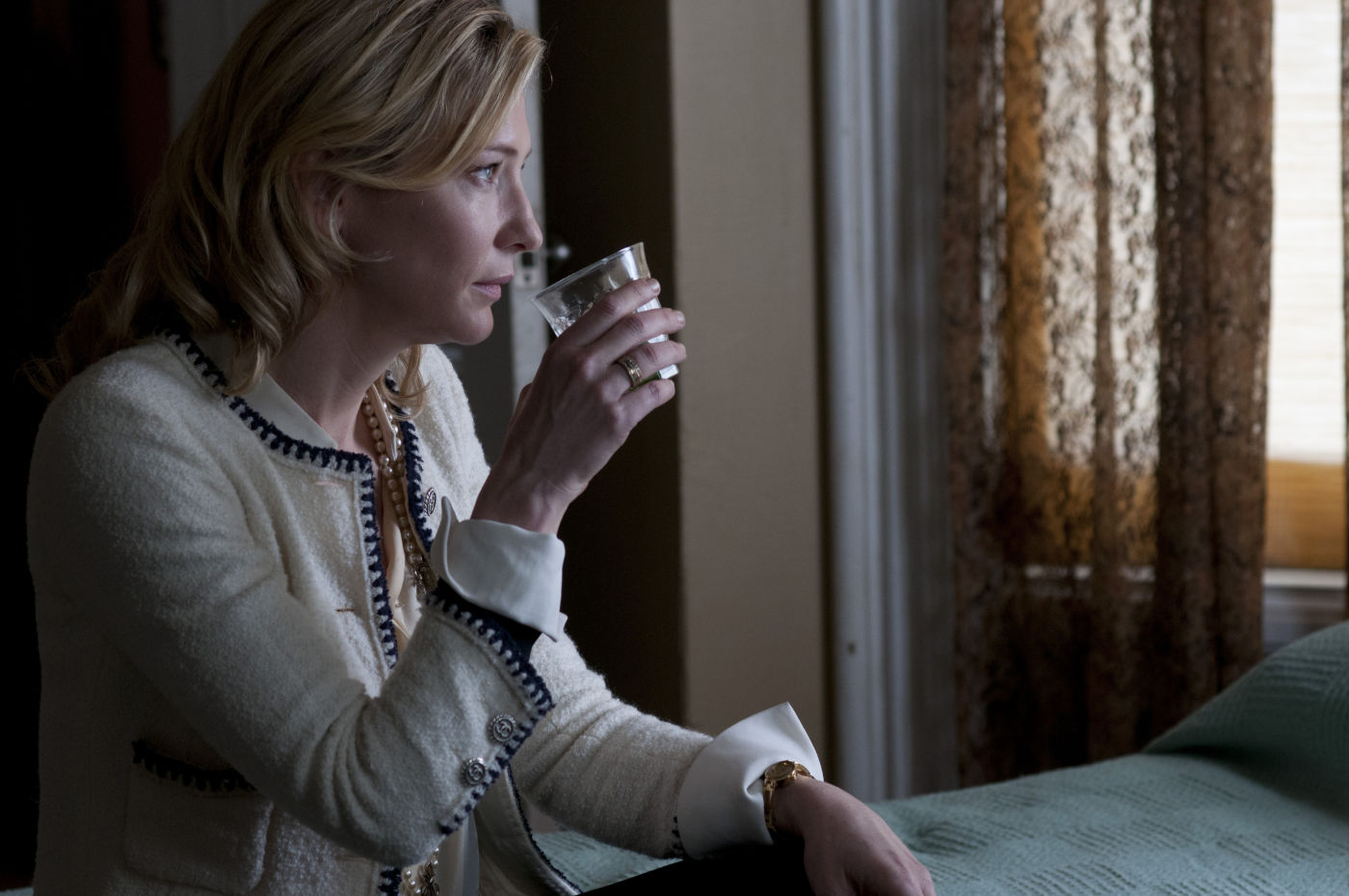 Cate Blanchett em Blue Jasmine (photo by www.OutNow.CH)