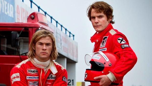 ... e à esquerda Chris Hemsworth ao lado de Daniel Bruhl