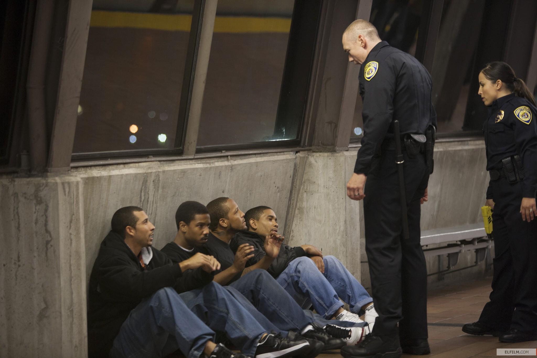 Cena de Fruitvale Station: A Última Parada, produção baseada em fatos reais com Michael B. Jordan (photo by www.elfilm.com)