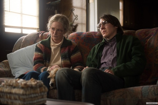 Melissa Leo e Paul Dano como Holly e Alex Jones (photo by www.elfilm.com)