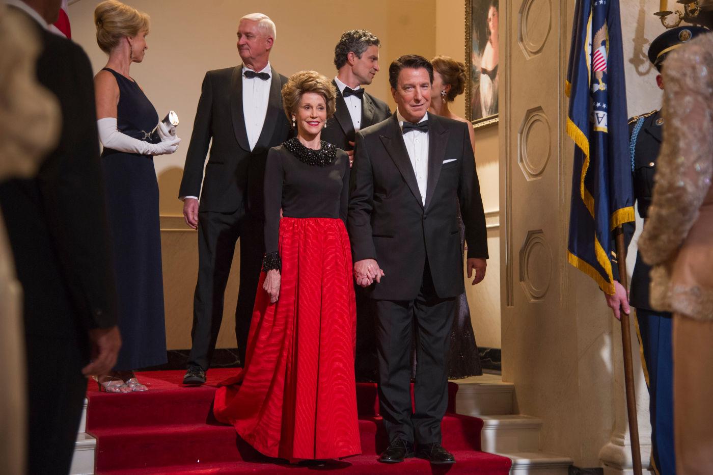 Jane Fonda e Alan Rickman dão vida aos Reagan (photo by www.outnow.ch)