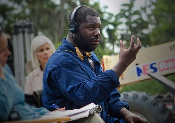 No set de 12 Years a Slave, o diretor britânico Steve McQueen faturou o prêmio de Diretor (photo by www.collider.com)