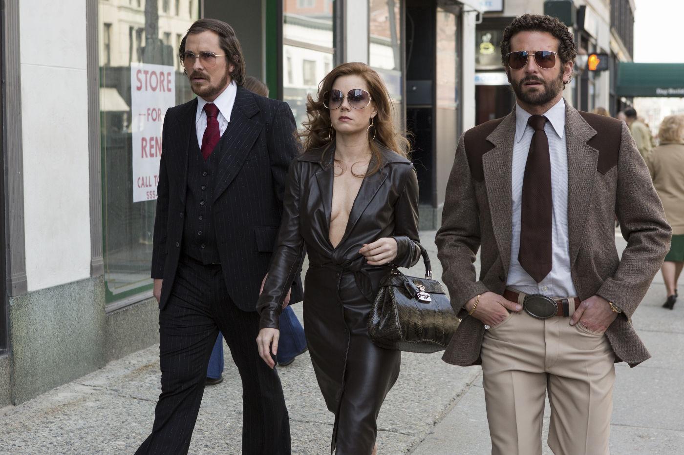 Christian Bale, Amy Adams e Bradley Cooper superaram as ausência no SAG e chegaram ao Globo de Ouro 2014 por Trapça (photo by www.outnow.ch)