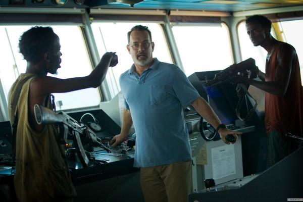 Os indicados Barkhad Abdi e Tom Hanks representam a metade das 4 indicações de Capitão Phillips (photo by www.elfilm.com)
