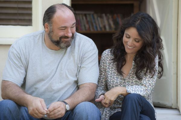 Ao lado de Julie-Louis Dreyfuss, James Gandolfini recebe uma indicação póstuma no SAG e Independent Spirit (photo by www.outnow.ch)