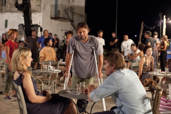 O diretor e roteirista Richard Linklater entre os atores e roteiristas Julie Delpy e Ethan Hawke no set de Antes da Meia-Noite (photo by www.elfilm.com)