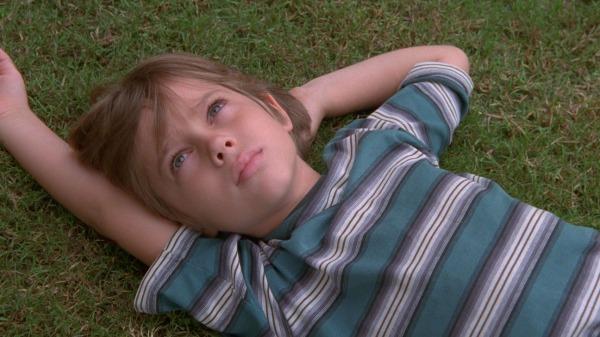 O jovem ator Ellar Coltrane é acompanhado em várias fases da vida em Boyhood (photo by ww.hollywoodreporter.com)