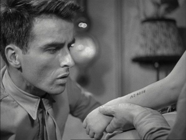 Montgomery Clift em Perdidos na Tormenta (photo by http://ocdviewer.com/)