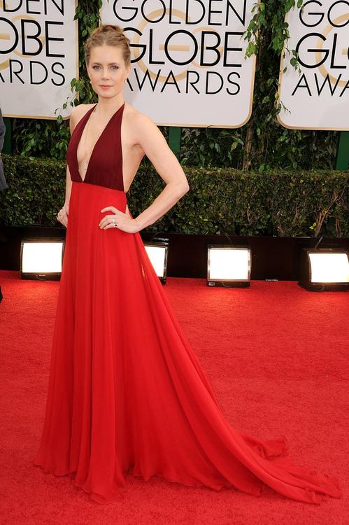 Amy Adams continua deslumbrante aos 39 aninhos