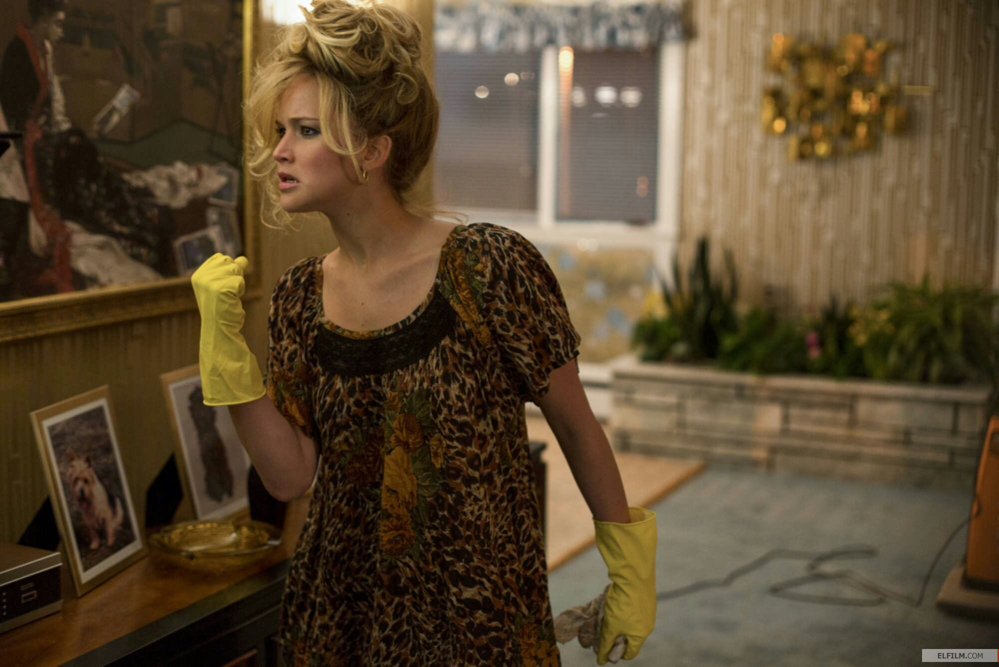 Jennifer Lawrence em seu momento 'Live and Let Die' (photo by elfilm.com)