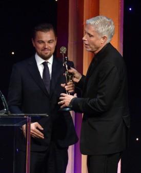 Christopher Rouse recebe o Eddie de Leonardo DiCaprio (photo by)