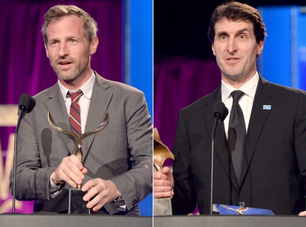 À esquerda, Spike Jonze com seu WGA award. E Billy Ray por Capitão Phillips (photo by blogs.diariodonordeste.com.br)