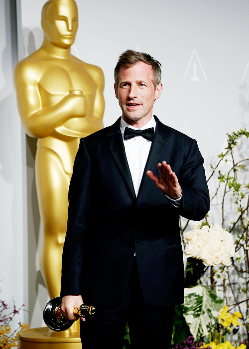 """Calm down"": Spike Jonze atende os jornalistas"