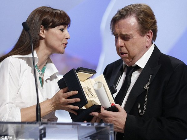 Melhor Ator: Timothy Spall (Mr. Turner). Photo by www.dailymail.co.uk)