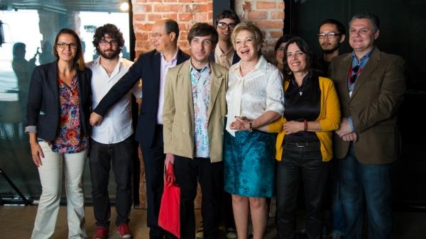 """A Ministra da Cultura Marta Suplicy (aquela do """"relaxa e goza!"""") com membros da comissão durante anúncio do Oscar (photo by Thaís Mallon em www.cultura.gov.br)"""