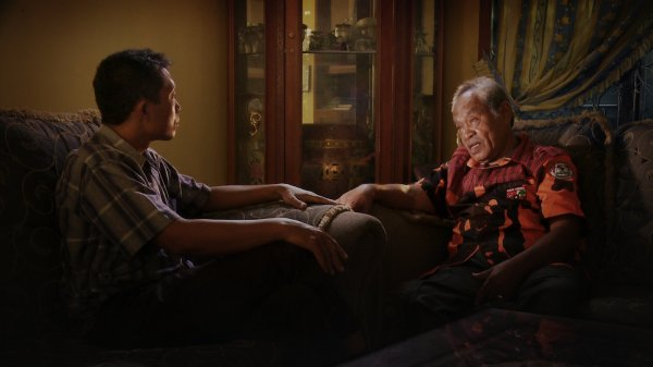 Entrevista de documentário The Look of Silence (photo by outnow.ch)