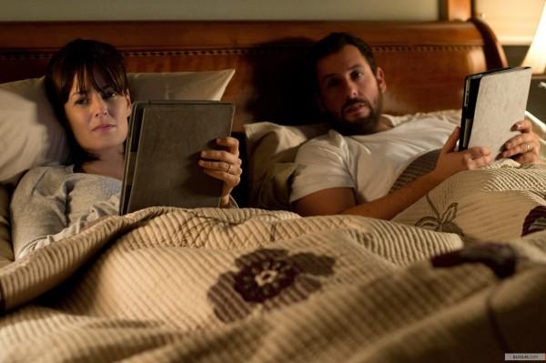 Ao lado de Rosemarie DeWitt, Adam Sandler estrela novo filme de Jason Reitman: Homens, Mulheres e Filhos (photo by elfilm.com)