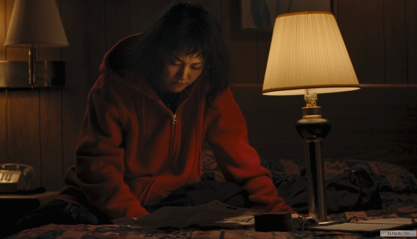 Rinko Kikuchi em cena de Kumiko, the Treasure Hunter (photo by elfilm.com)
