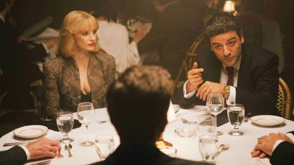 Cena de A Most Violent Year, com Jessica Chastain e Oscar Isaac