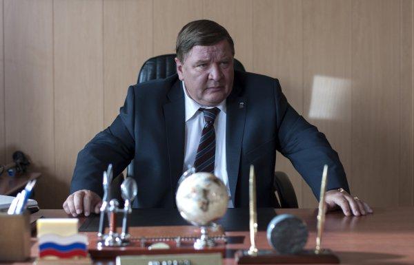 Roman Madyanov como o hilário prefeito em Leviatã (photo by outnow.ch)
