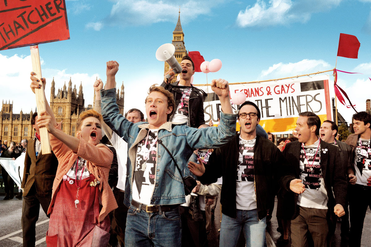 Cena do britânico Pride, que conquistou sua única indicação a Melhor Filme  - Comédia ou Musical no Globo de Ouro (photo by outnow.ch)